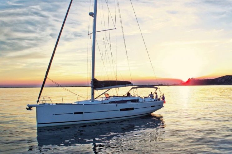 Charter Yacht Dufour 512 - 5 Cabins - 2017 - St Tropez