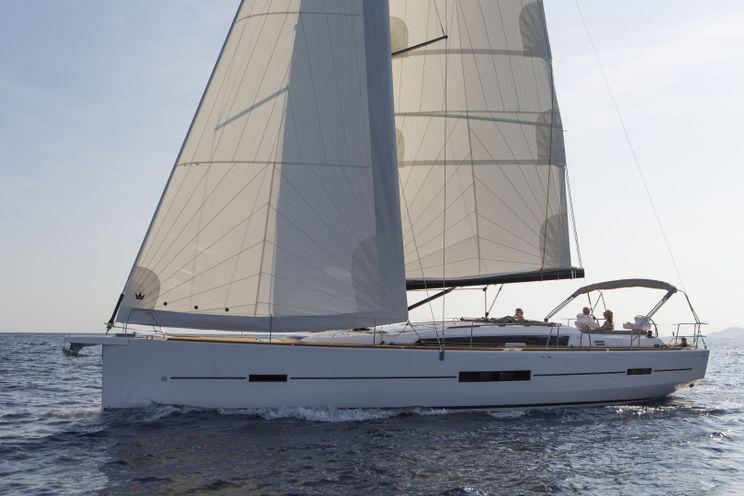 Charter Yacht Dufour 520 - 4 + 1 cabins (4 double + 1 bunk) - 2018 - Mykonos - Athens