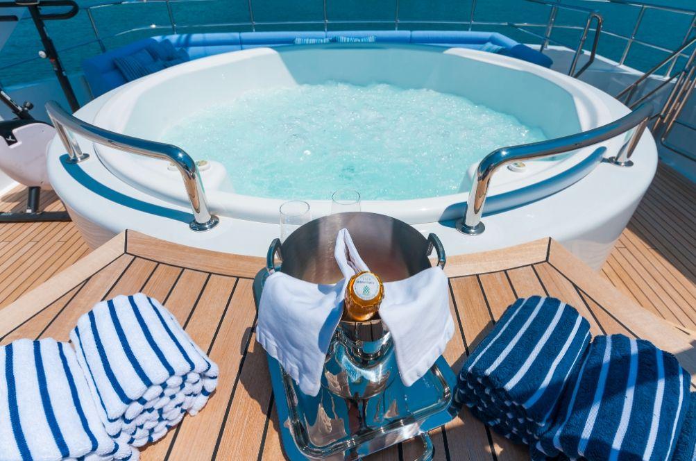 DUKE TOWN - Heesen Motor Yacht