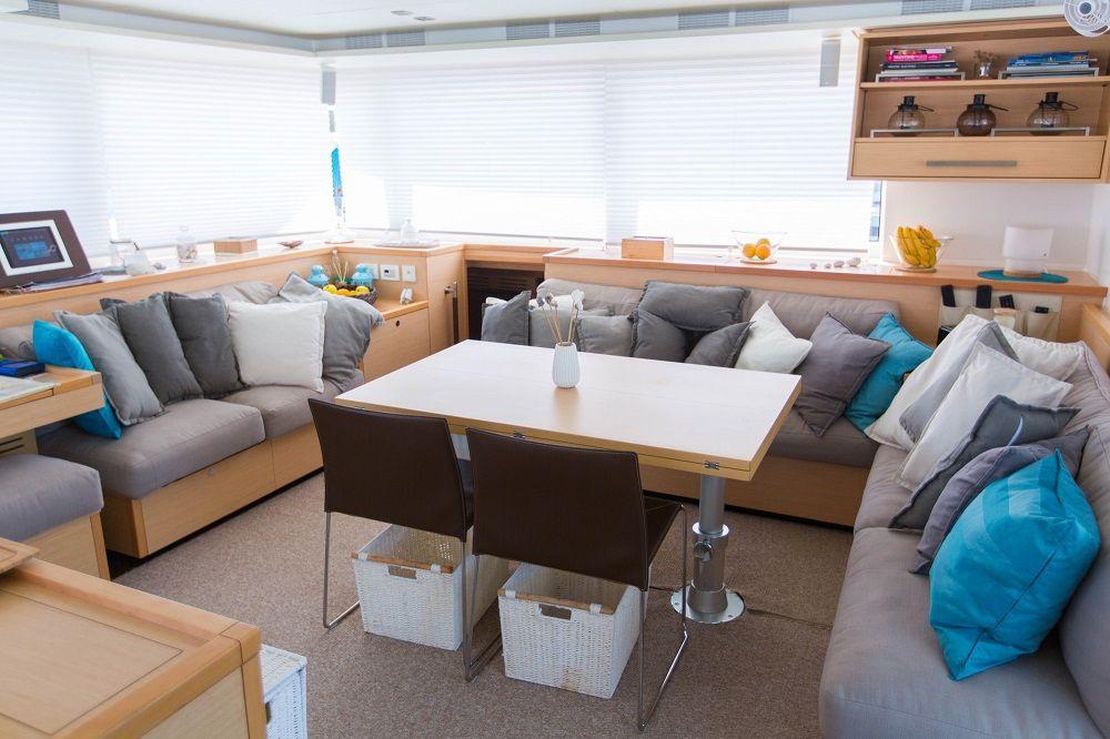 EAGLE OF NORWAY - Crewed Catamaran - Saloon