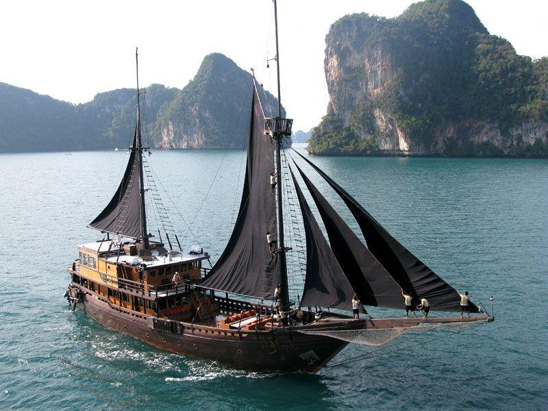 Phinisi 40 - 6 Cabins - Komodo and Raja Ampat,Indonesia