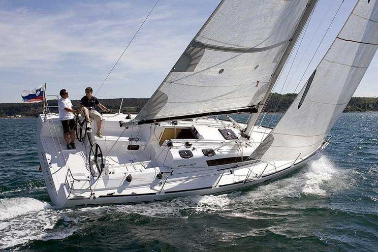 Charter Yacht Elan 350 - 3 Cabins - Puntone - Italy