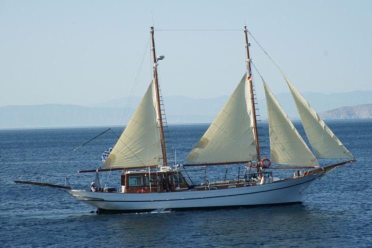 Charter Yacht ELEFTHERIA - Custom Build - 3 Cabins - Athens - Mykonos - Lefkas - Rhodes