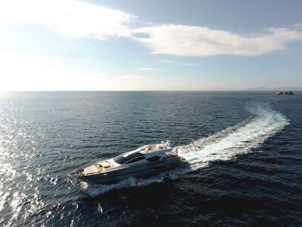 ELEVEN I Italcraft 90 Motoryacht Cruising