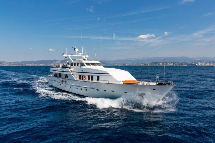 Charter Yacht FIORENTE - Ferronavale 37m - 5 Cabins - Cannes - Monaco - Naples - Sicily