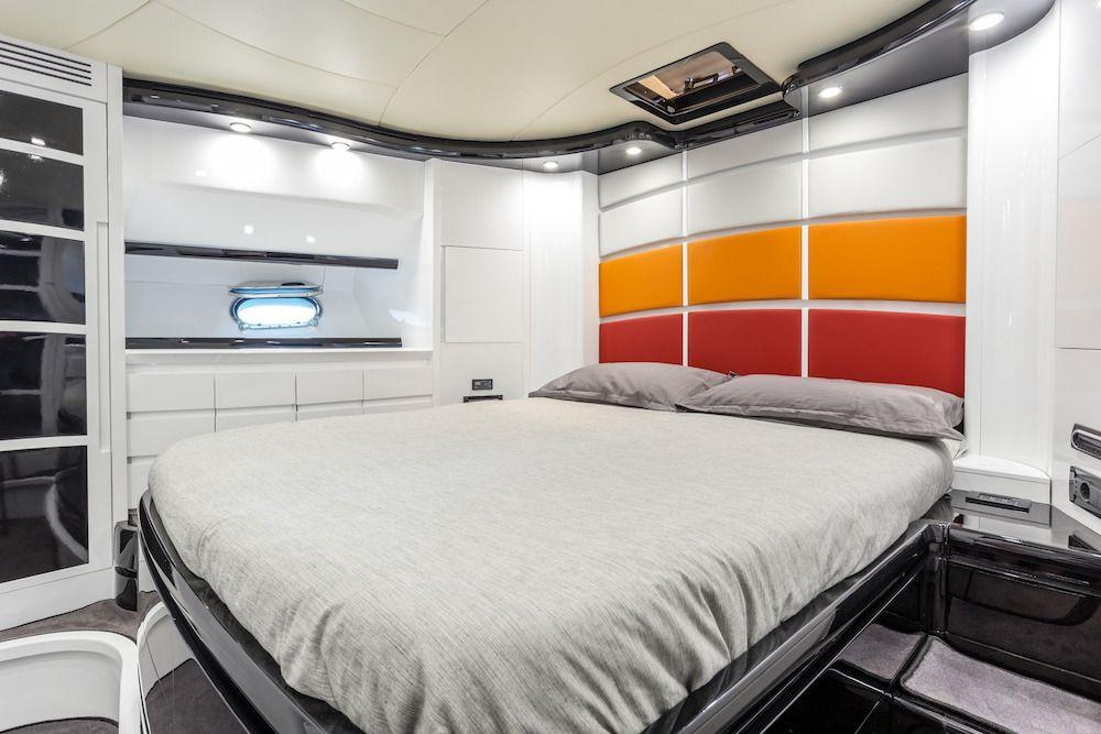 FORZA 8 VIP Cabin