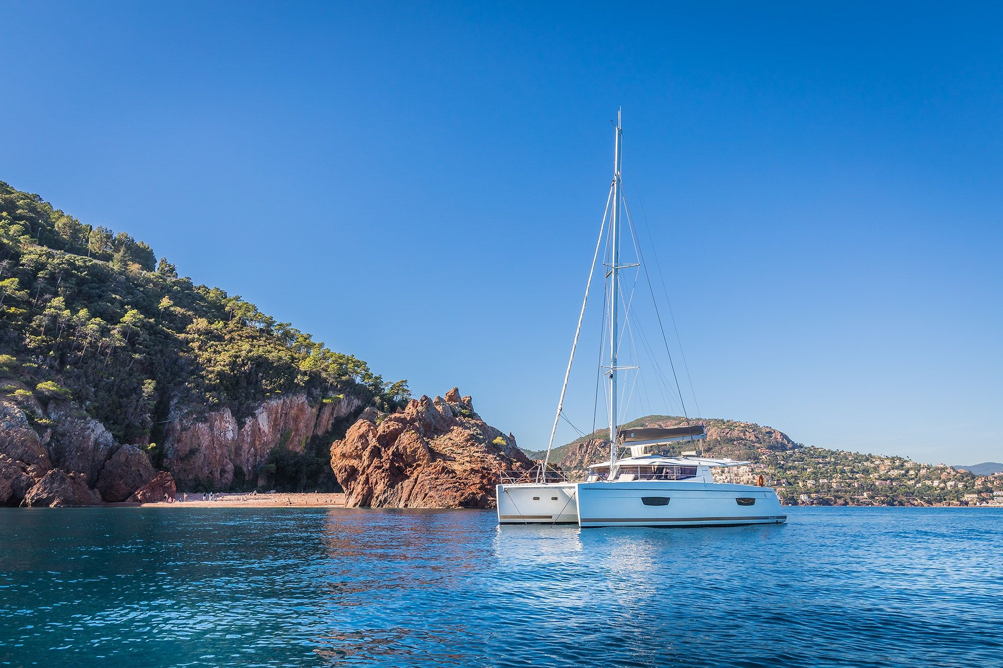 Fountaine Pajot Helia 44 - Day charter / Week charter - 4 cabins (4 double) - 2017 - Cannes