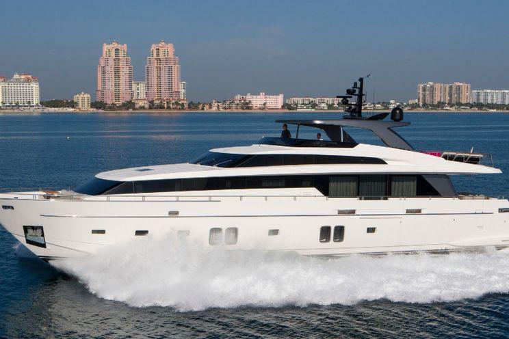 Charter Yacht FREDDY -  San Lorenzo 106 - 5 Cabins - Bahamas - Nassau - Exumas