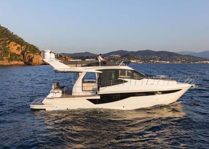 Galeon 460 Flybridge - Sailing
