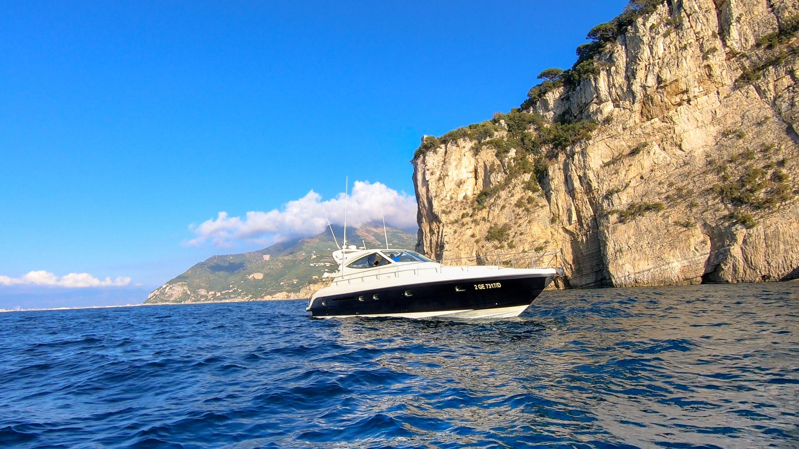 Gianetti 50 - Day charter - Sorrento - Positano - Salerno - Amalfi Coast - Capri - Naples
