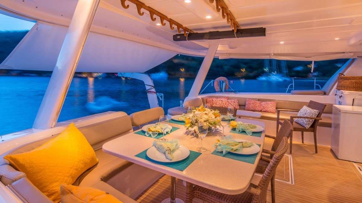 GOOD VIBRATIONS - Lagoon 620 Alfresco Dining