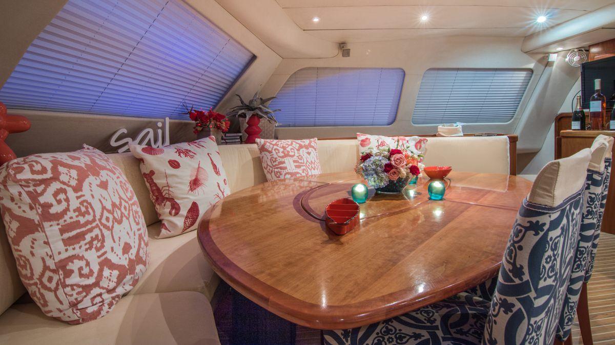 GOOD VIBRATIONS - Lagoon 620 Inside Dining