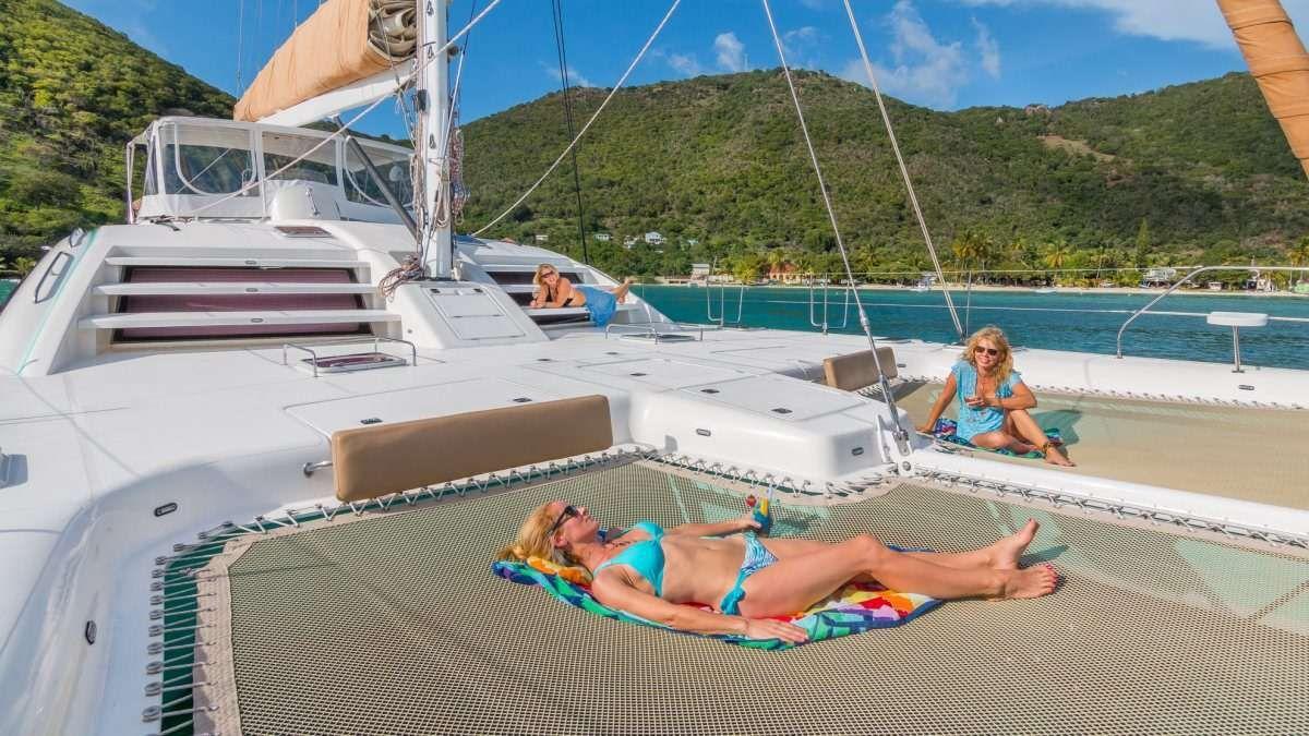 GOOD VIBRATIONS - Lagoon 620 Sunbathing