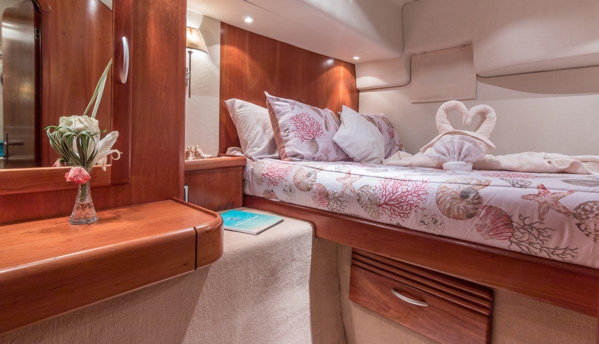 GOOD VIBRATIONS - Lagoon 620 Cabin