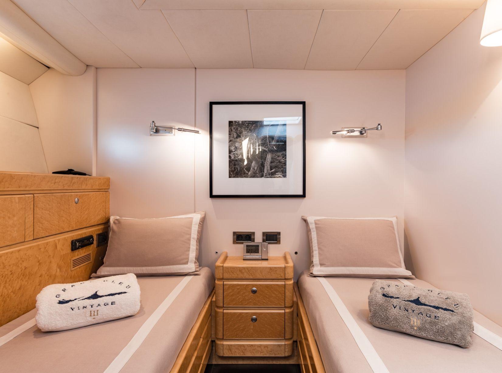 GRAND BLEU VINTAGE CNB 95 Twin Cabin