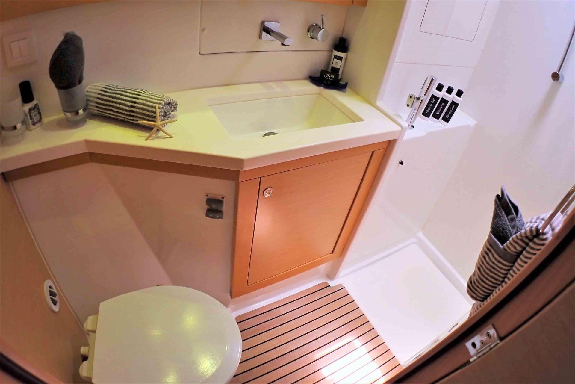 GYPSY PRINCES Lagoon 450 En-Suites