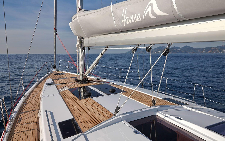 Hanse 455 bow