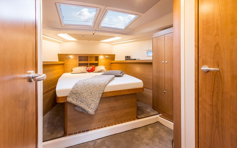 Hanse 455 Forward Cabin