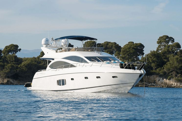 Charter Yacht HAYAT - Sunseeker 22m - 4 Cabins - French Riviera - Nice - Cannes - Monaco - Corsica - Sardinia