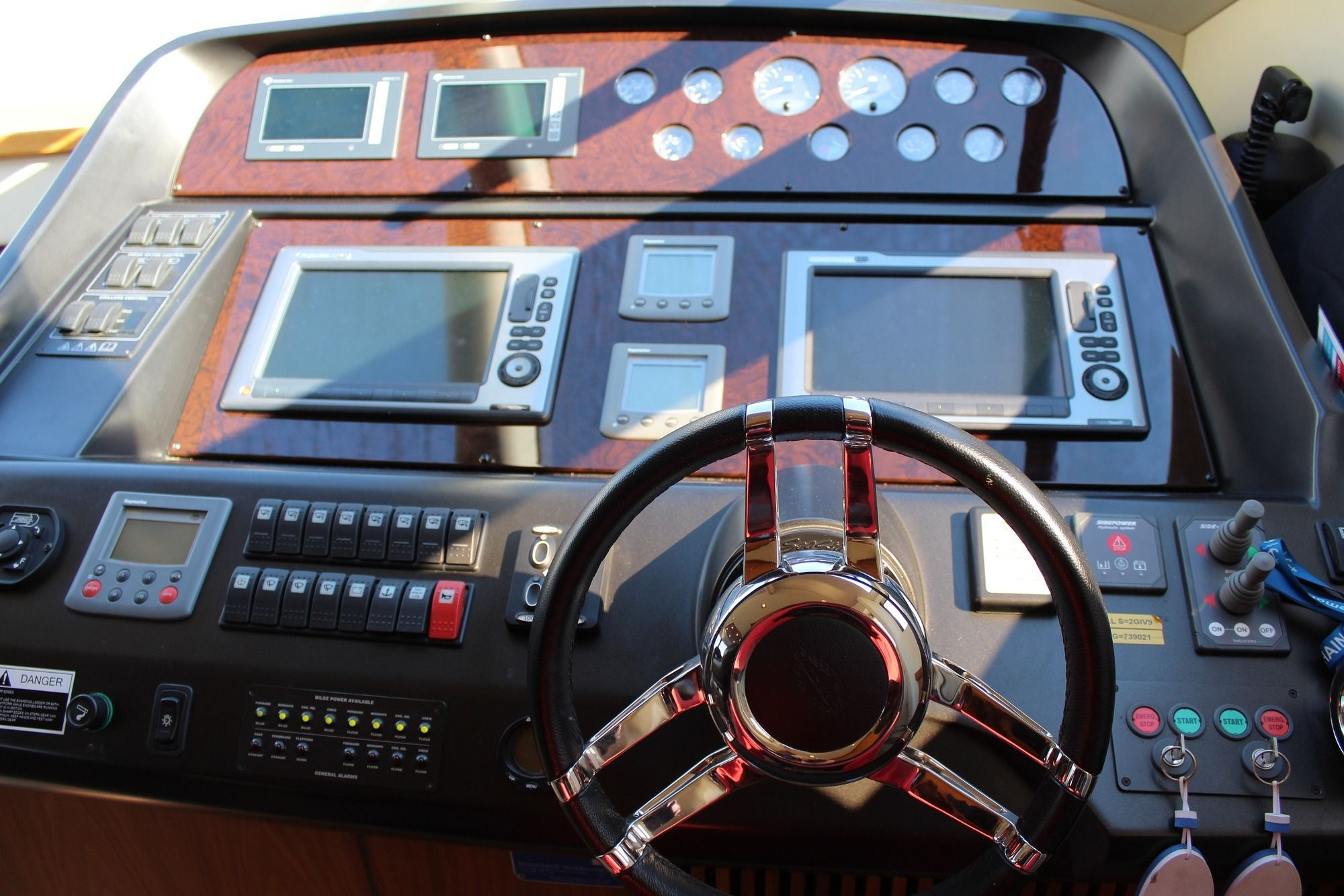 HAYAT Sunseeker 22m Wheelhouse