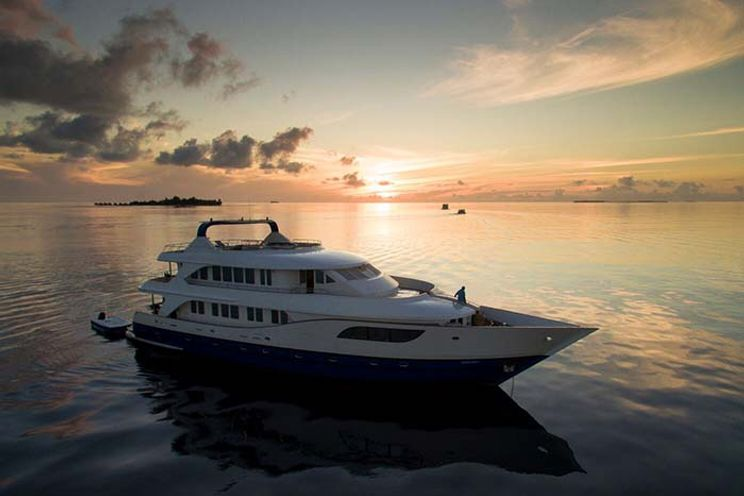 Charter Yacht HONORS LEGACY - 9 Cabins - Maldives,Indian Ocean