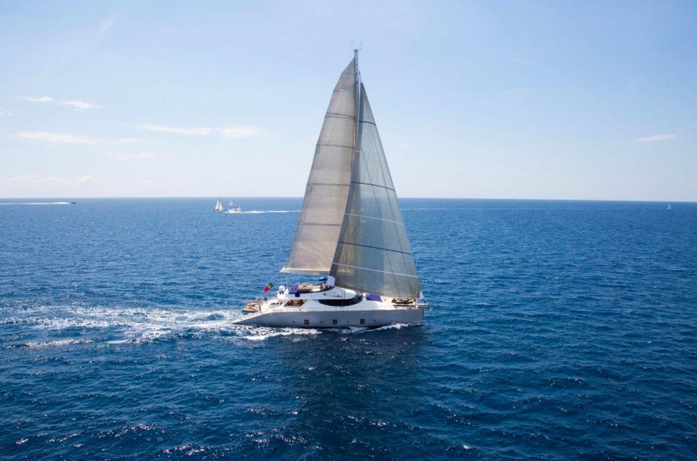 HUTIANE - 31m Cuneo Marine - 4 Cabins - Monaco - Cannes - St Tropez