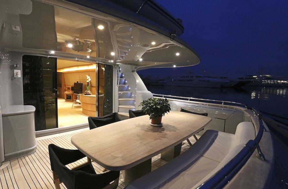 Maiora Motor Yacht IF Aft Dining