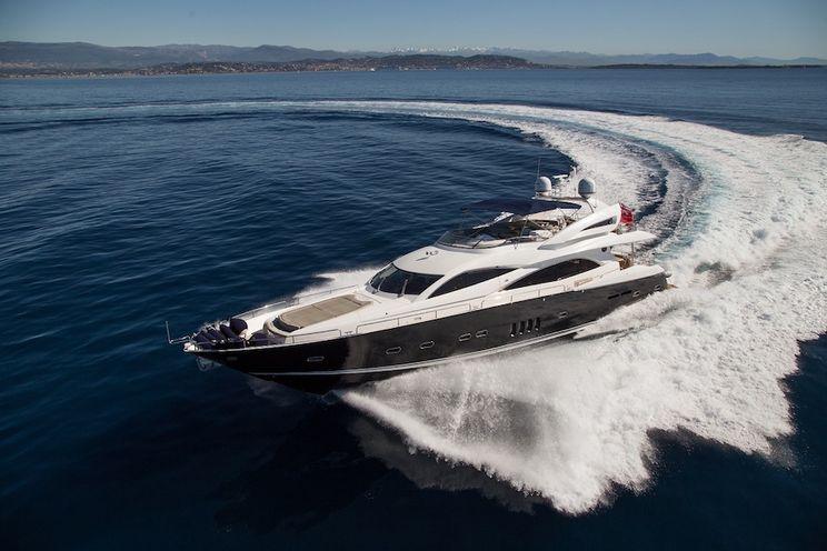 Charter Yacht BIANCINO - Sunseeker 90 - 4 Cabins - Cannes - St Tropez - Monaco - Corsica - Portofino