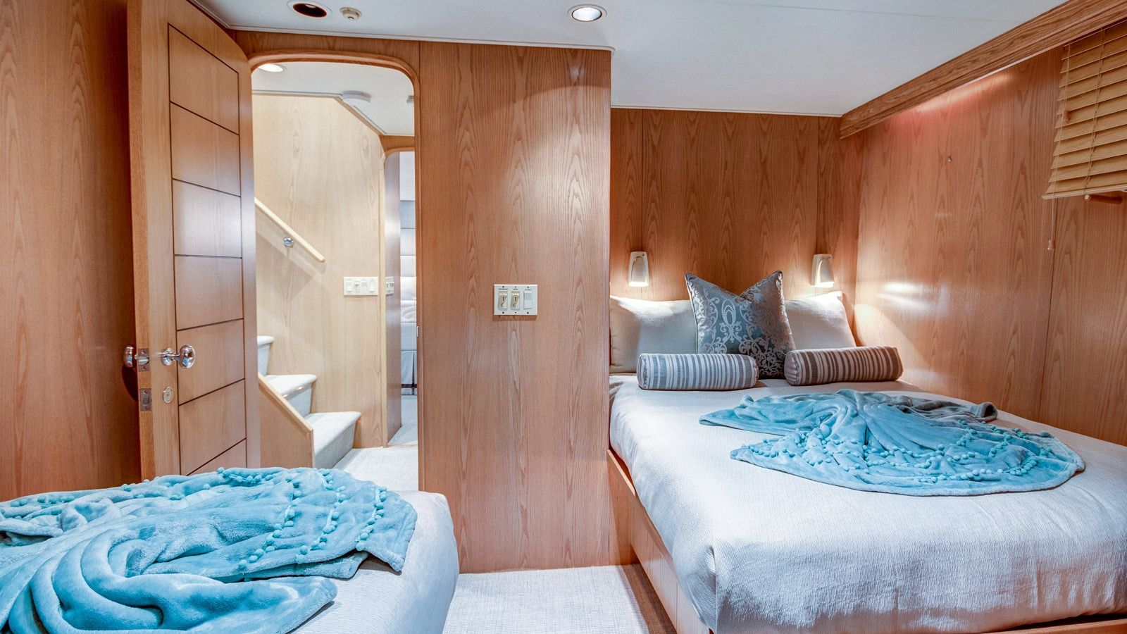 Boatbookings Yacht Charter Independence 3 Guest Cabin