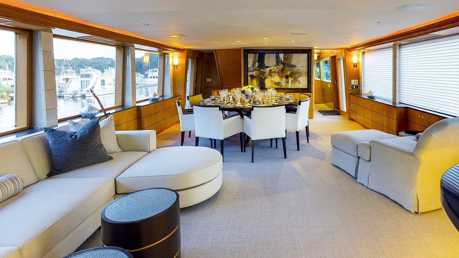 Boatbookings Yacht Charter Independence 3 Saloon