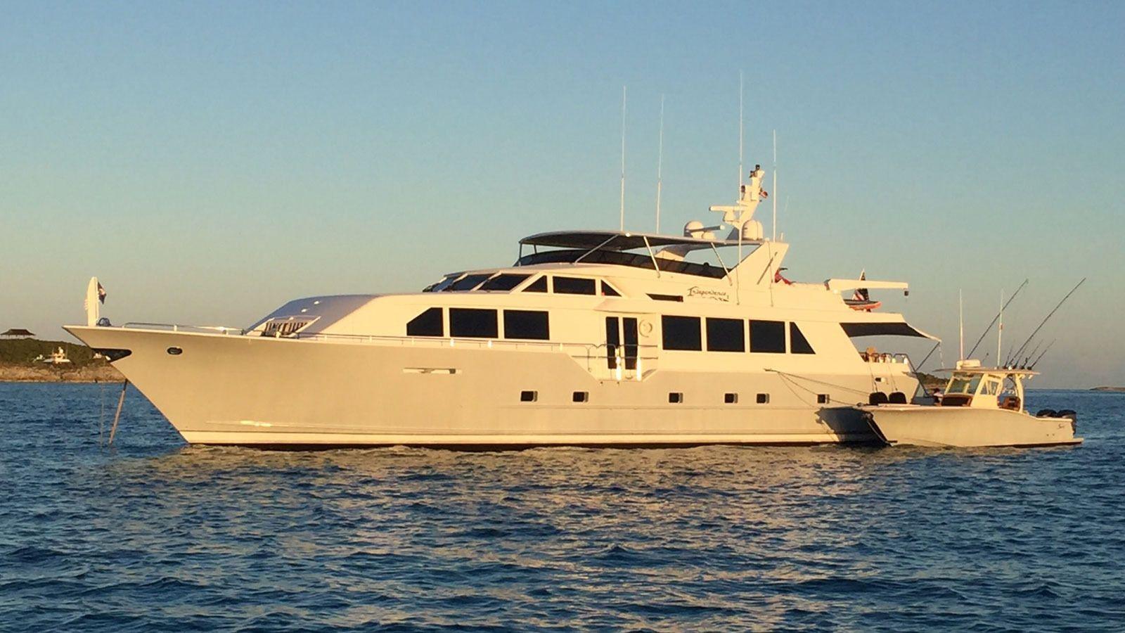 INDEPENDENCE 3 - Broward Marine 35m - 4 Cabins - Bahamas