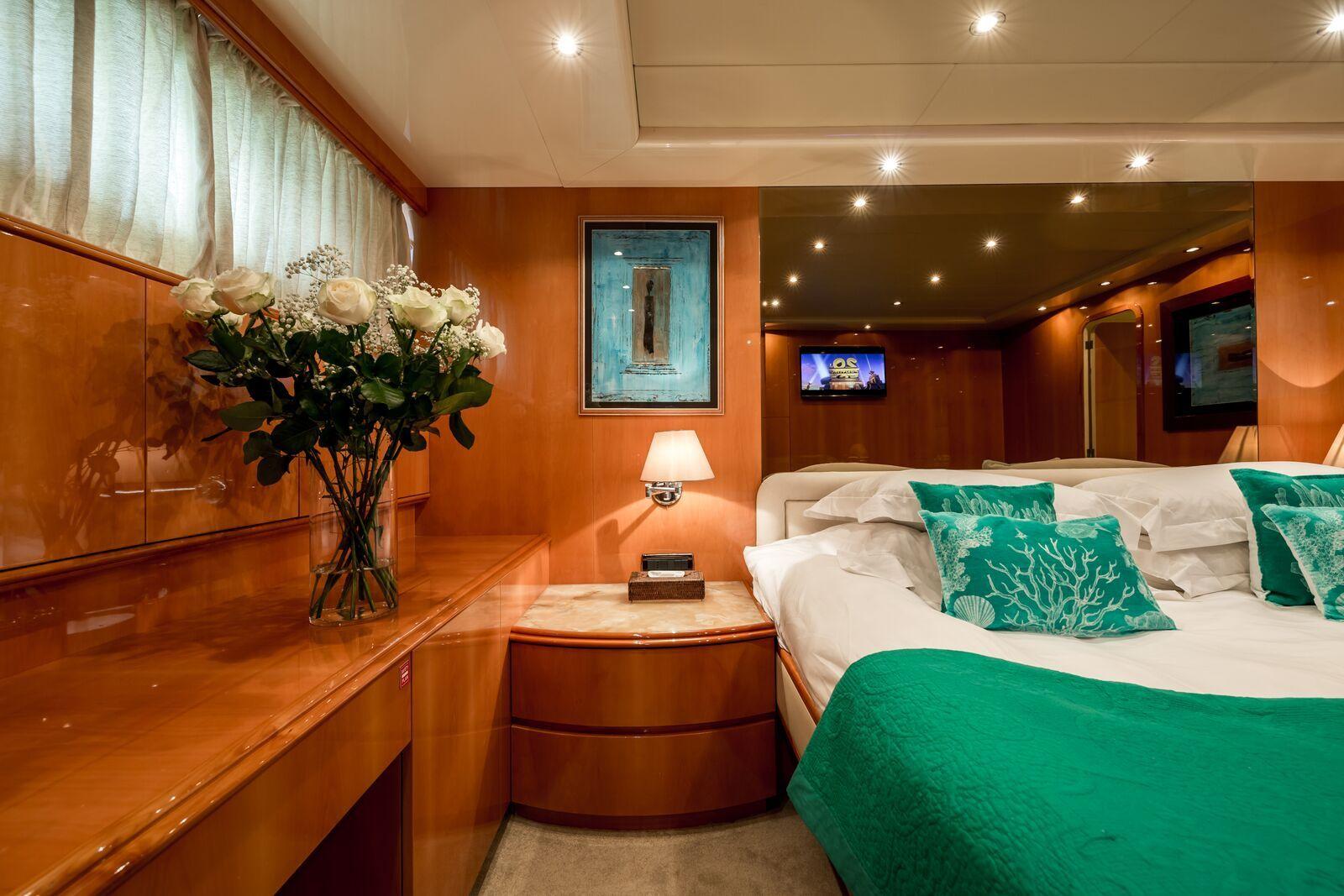 INDULGENCE OF POOLE Mangusta 86 Luxury Superyacht VIP Cabin