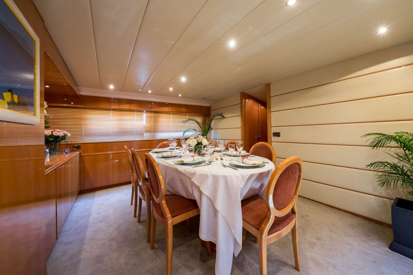 INDULGENCE OF POOLE Mangusta 86 Luxury Superyacht Dining Room