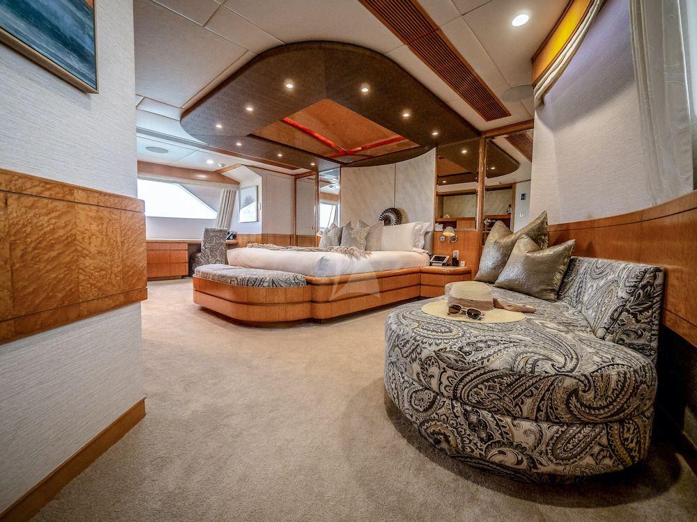 ISLAND HEIRESS Master Suite