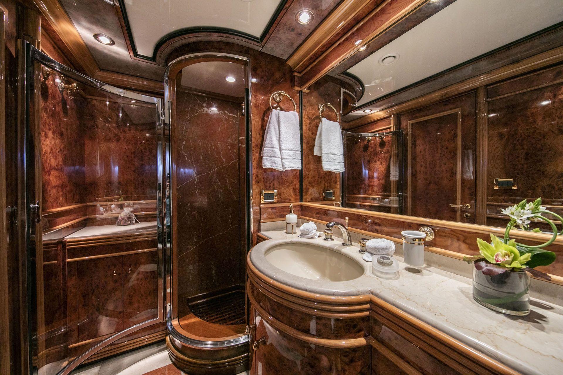 JAAN Intermarine SPA 138 Twin En Suite