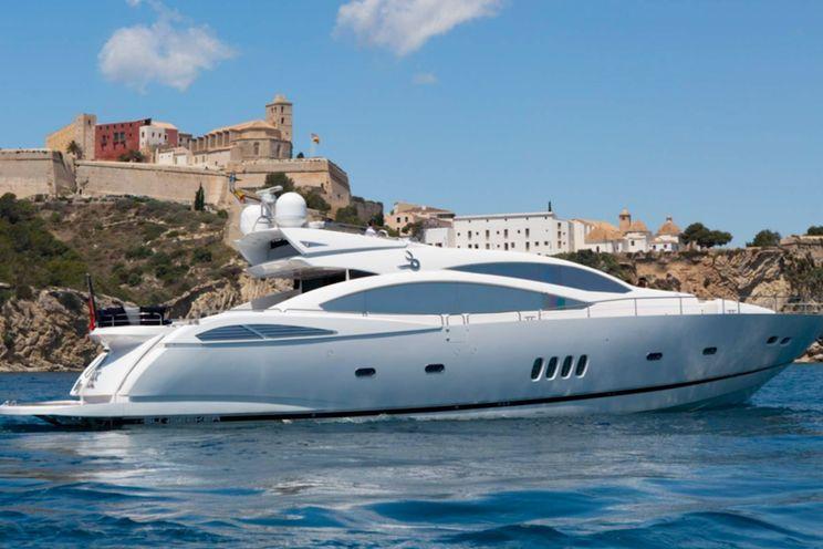 Charter Yacht JAX OF IBIZA - Sunseeker Predator 92 Sport - 4 Cabins -  Marina Ibiza - Formentera - San Antonio