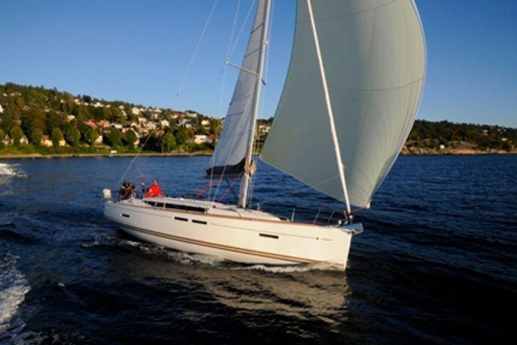 Charter Yacht Jeanneau 409 - 3 Cabins - Warwick,RI