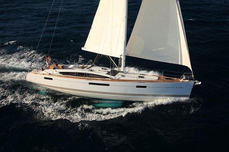 Charter Yacht Jeanneau 53 - 5 cabins - Salerno - Tropea - Italy