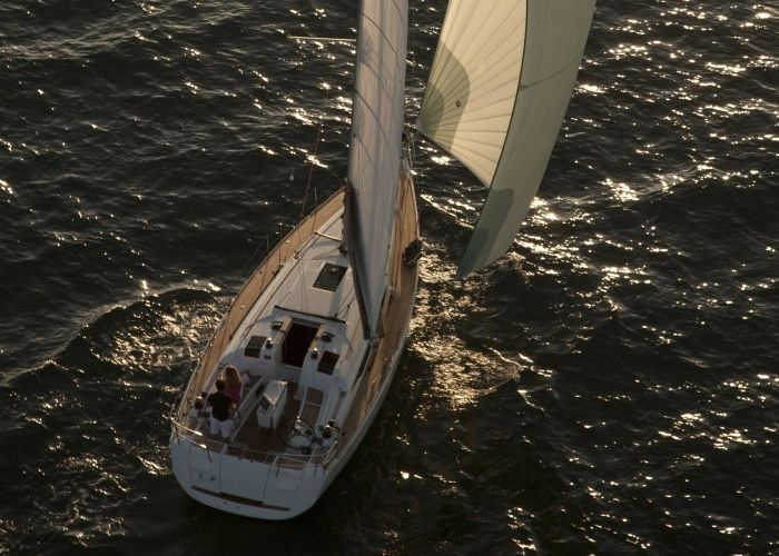 Jeanneau Sun Odyssey 409 - Sailing