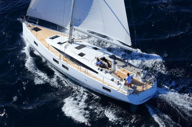 Jeanneau 51 Sailing