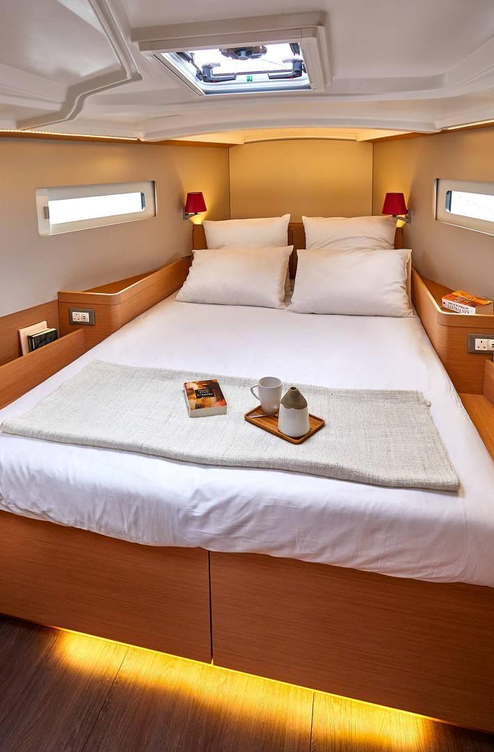 Jeanneau Sun Odyssey 410 Cabin
