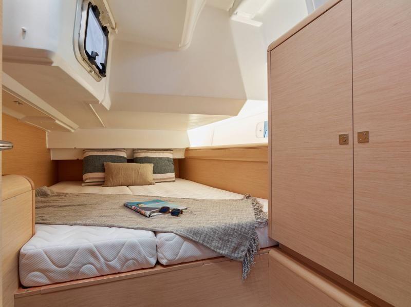 Jeanneau Sun Odyssey 449 Cabin