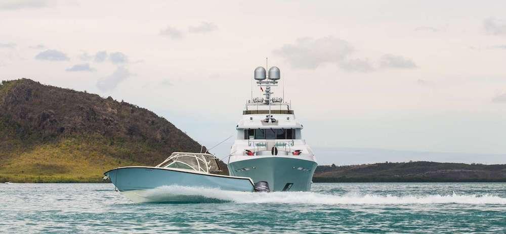 JUST ENOUGH Motor Yacht Tender