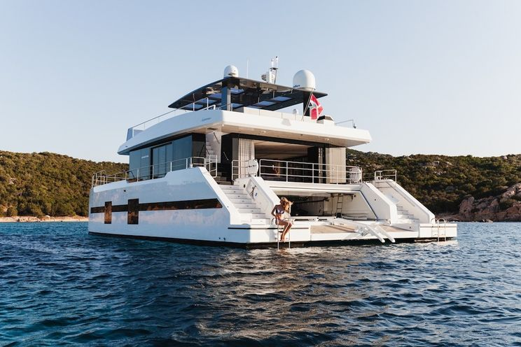 Charter Yacht MAYRILOU - Sunreef Supreme 68 - 5 Cabins - Cannes - Naples - Sicily - Dubrovnik