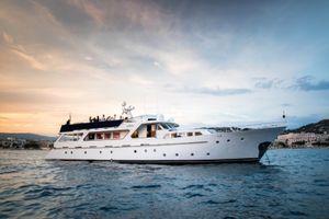 LADY ROXANNE - 30m Benetti - 5 Cabins - Cannes - Corsica - Olbia
