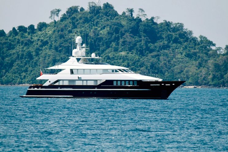 Charter Yacht LADY AZUL - Heesen 129 - 5 Cabins - Langkawi - Malaysia - Phuket - Thailand