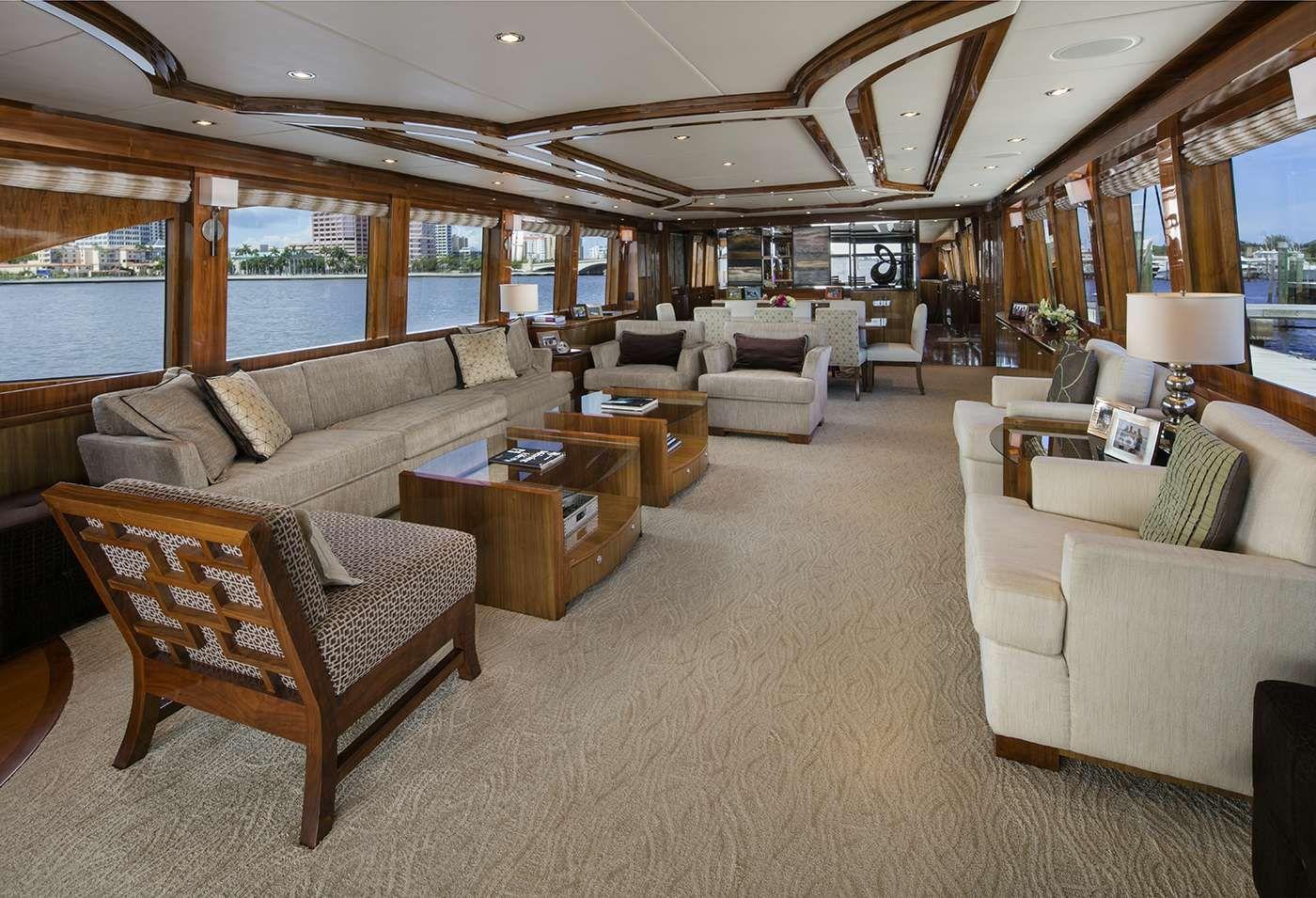 LADY DEENA II Hargrave 101 Luxury Motoryacht Saloon