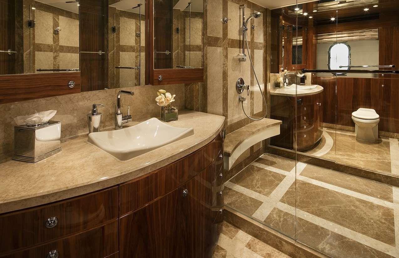 LADY DEENA II Hargrave 101 Luxury Motoryacht Master Bathroom