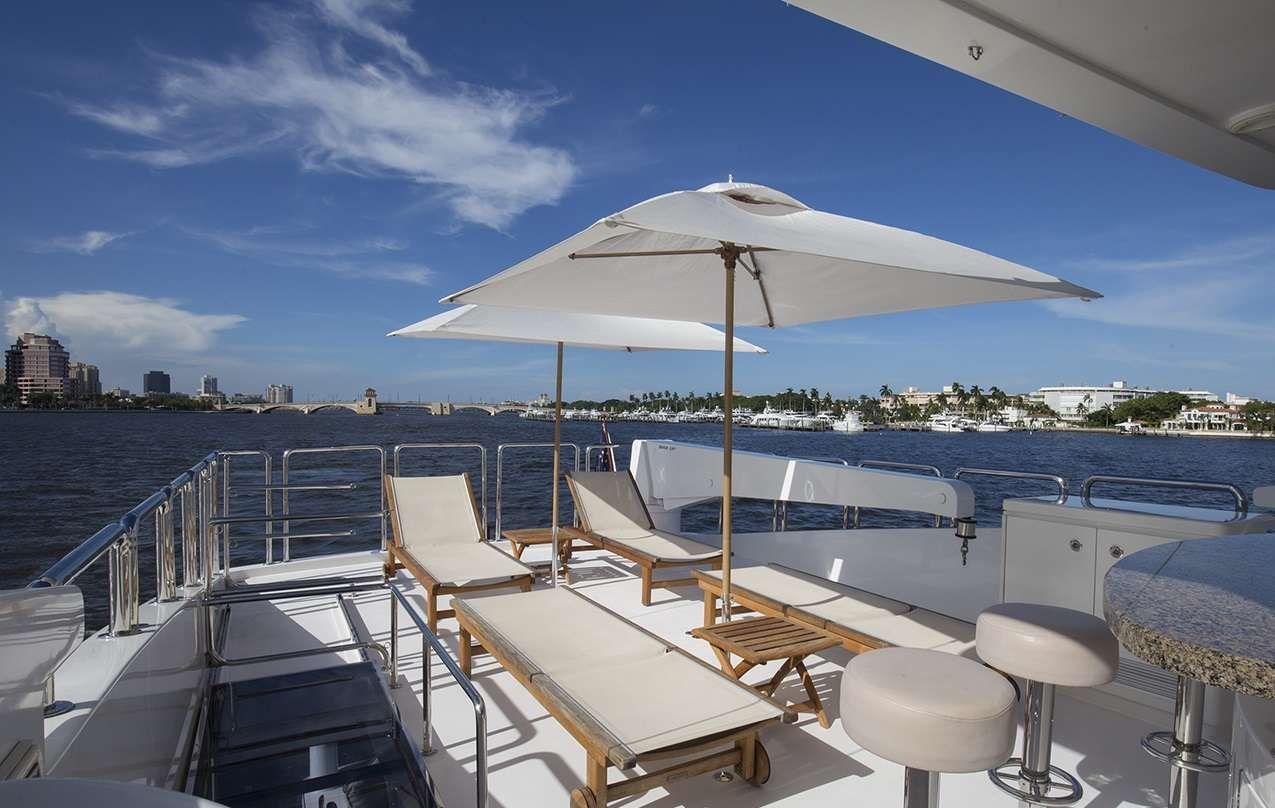 LADY DEENA II Hargrave 101 Luxury Motoryacht Sundeck