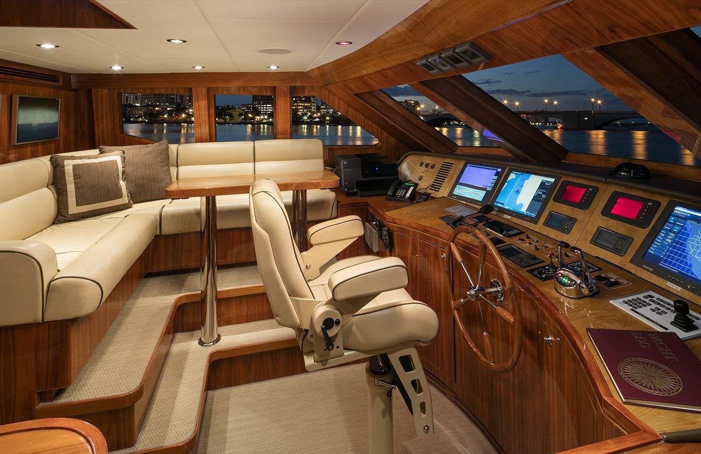 LADY DEENA II Hargrave 101 Luxury Motoryacht Wheelhouse